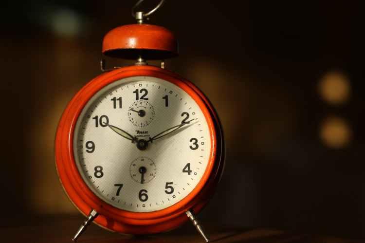 alarm clock analogue antique classic